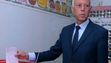 Photo of تونس/لم  يفز بعد بالدورالثاني: قيس سعيّد يتّهم جهات أجنبية بتحريك الإرهاب في تونس
