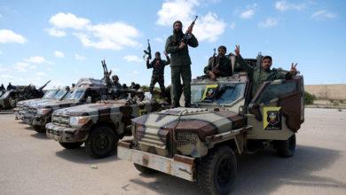 Photo of الجيش الوطني الليبي يعيد التمركز خارج طرابلس ويحذّر…