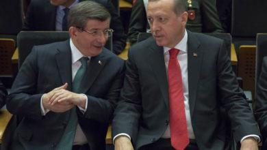 Photo of داوود أوغلو:أردوغان انفصل عن شعبه وحزبه سينهار