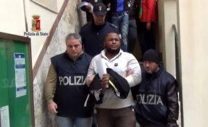 Photo of اعتقال عشرات من أعضاء المافيا النيجيرية في إيطاليا