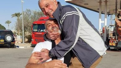 Photo of بعد 35 عاما في معتقلات الإحتلال..الأسير الفلسطيني رشدي أبو مخ حراً
