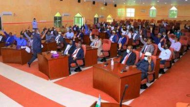 Photo of احتقان سياسي بالصومال بسبب مناورات فرماجو المهووس بالسلطة