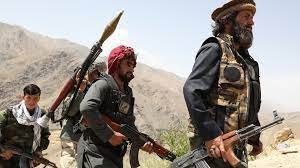 Photo of طالبان تكثف زحفها على مناطق عديدة بأفغانستان
